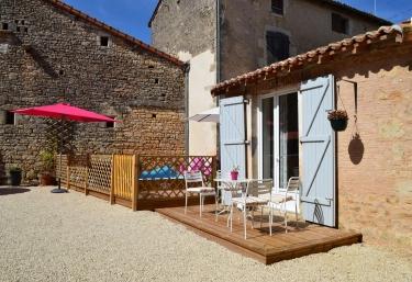 Abbey Cottage - Nanteuil en Vallée, Charente