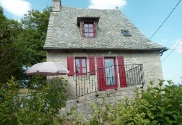 Gîte de Vachandou - Ladinhac, Cantal