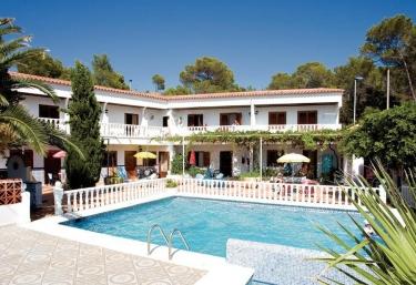 Granada Apartamentos - Portinatx, Ibiza